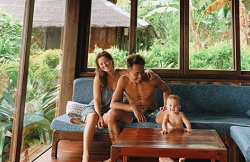 Andi Eigenmann admits baby Lilo prefers to play with coconut husks, twigs than expensive toys