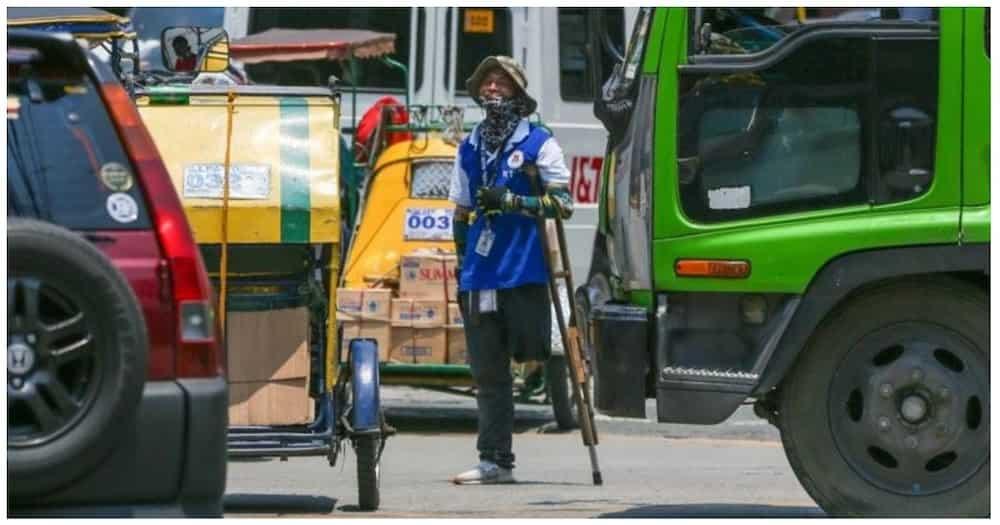 PWD na traffic enforcer, hinangaan sa determinasyong makapag-trabaho