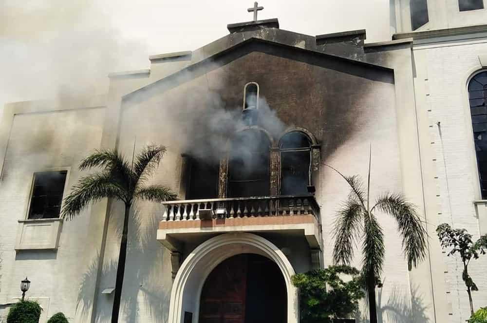 Fire hits well-known Sto. Niño Church in Pandacan, Manila; third alarm raised