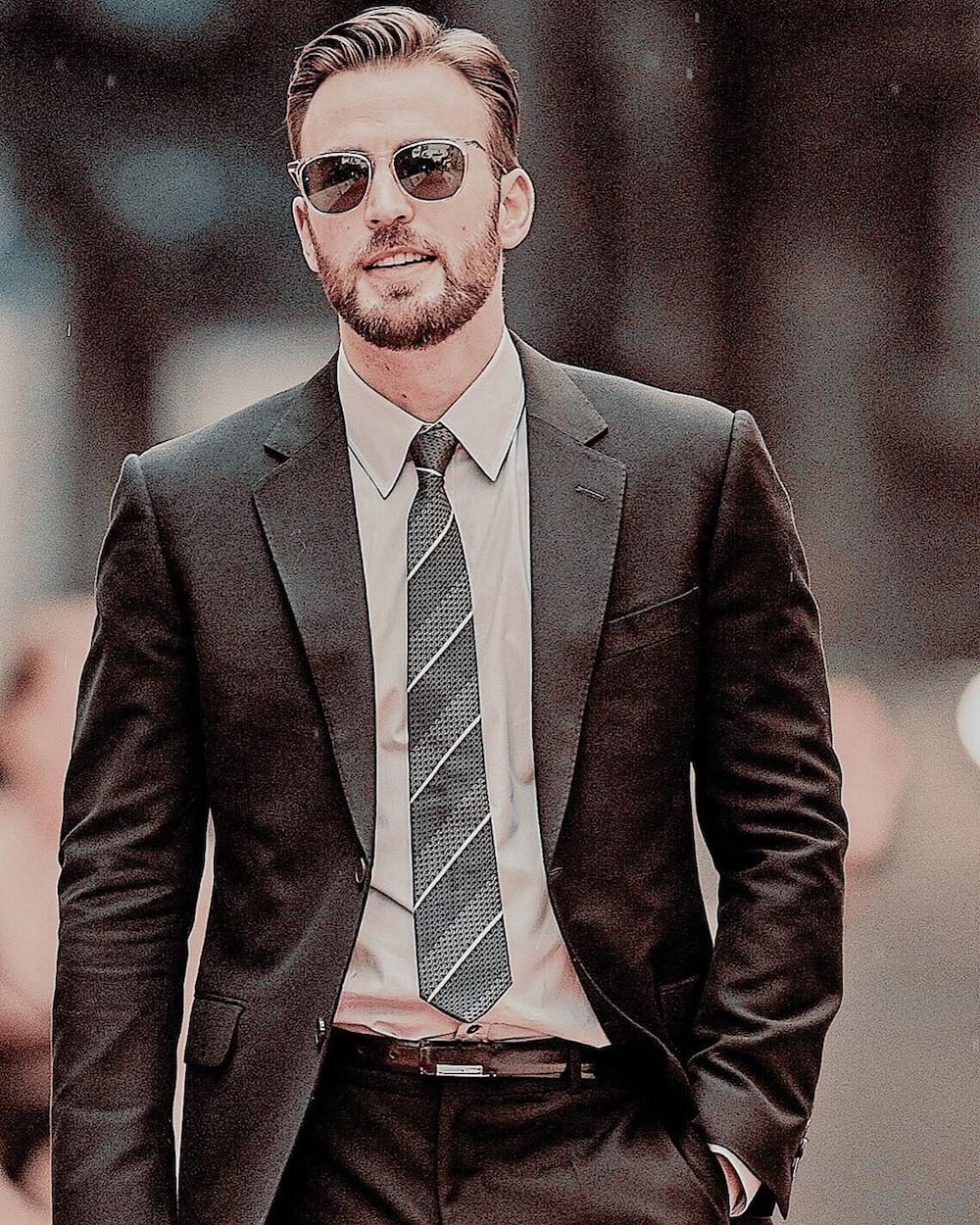 Chris Evans bio: net worth, age, height, who is he dating ...