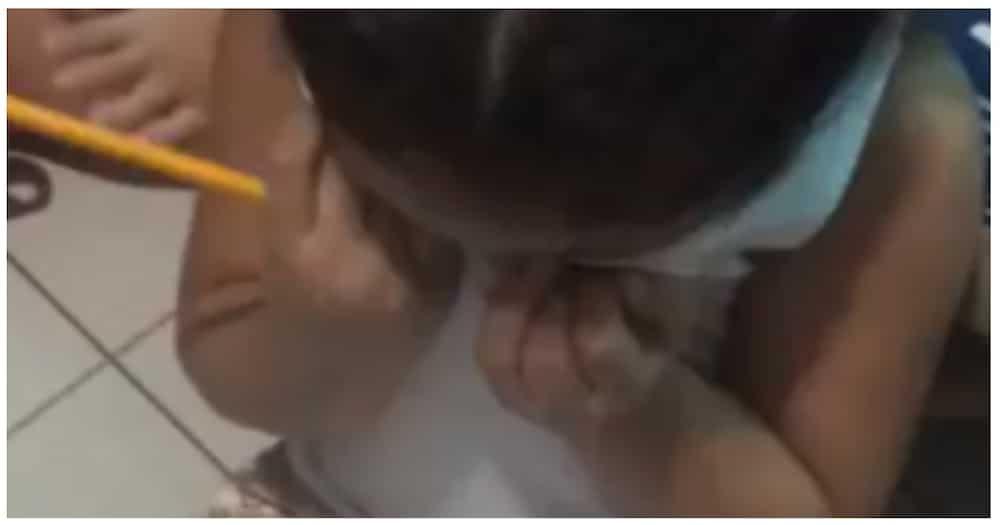 Video ng batang naiyak sa pagsusulat ng kanyang pangalan, kinagiliwan ng netizens