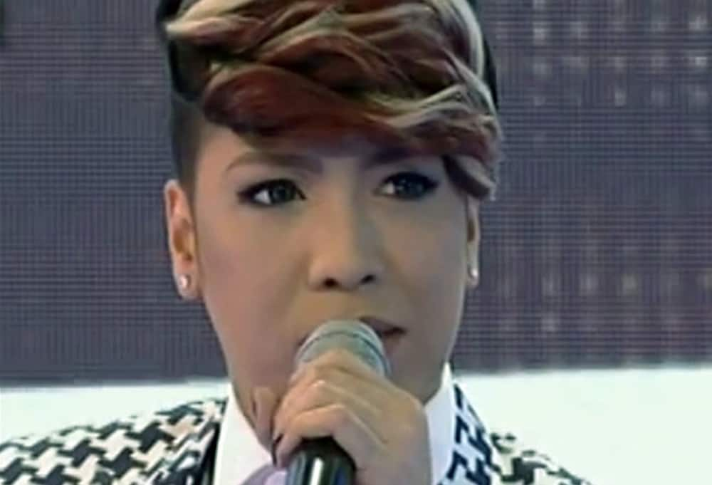 Vice Ganda breaks down in tears while hosting 'It's Showtime'