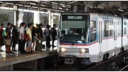 Lalaki, tumalon at nahulog mula sa MRT-3